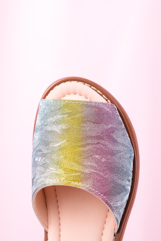 Wielokolorowe sandały błyszczące na rzep z zakrytą piętą Casu YJ222C