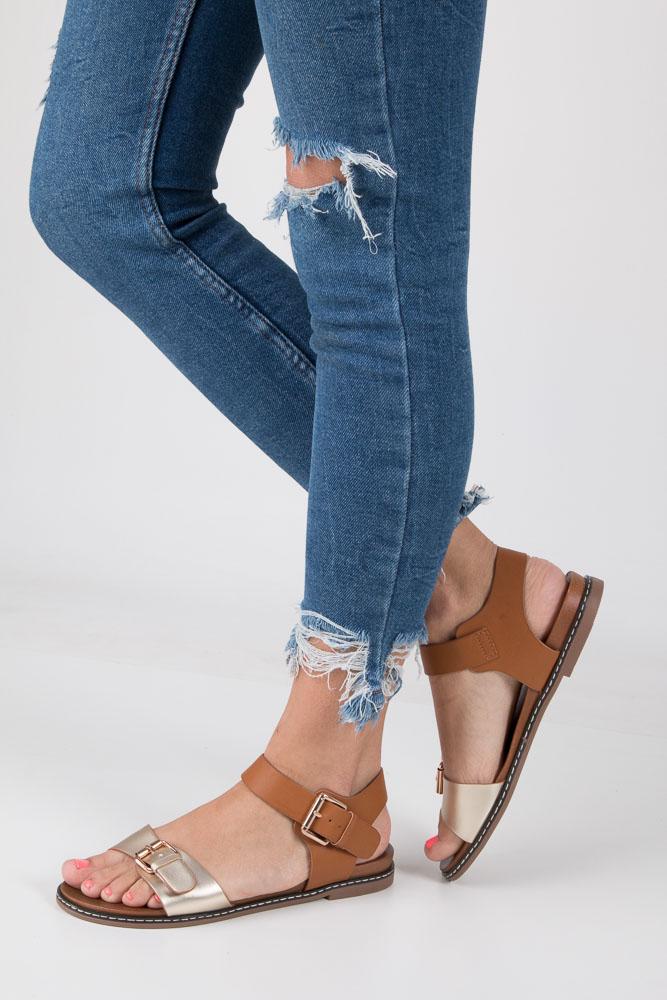 Złote modne sandały ze złotymi klamrami Casu K18X12/GO