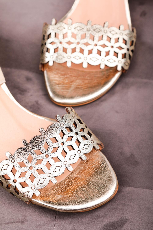 Złote sandały ażurowe na niskim szerokim obcasie polska skóra Casu1876 złoty