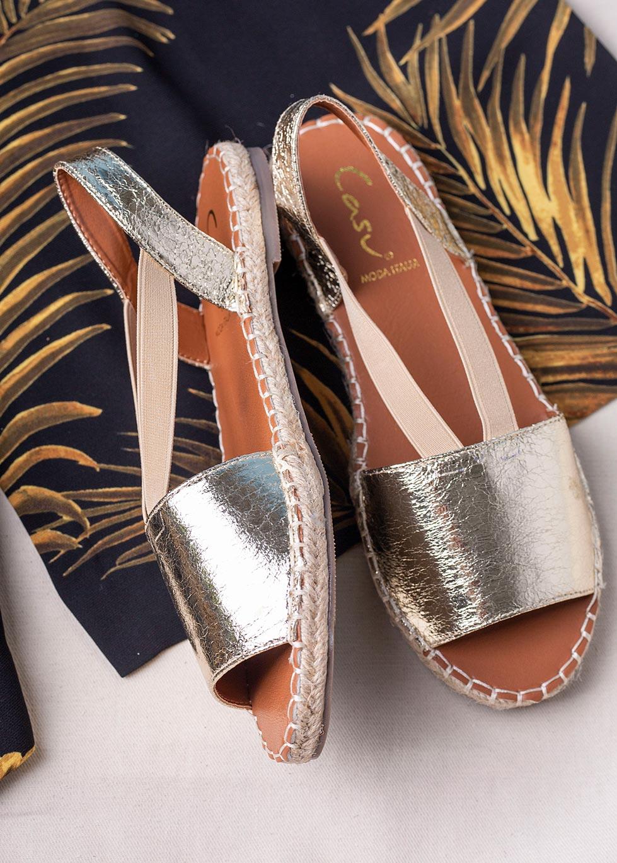 Złote sandały espadryle błyszczące płaskie z gumką Casu SN20X5/G złoty