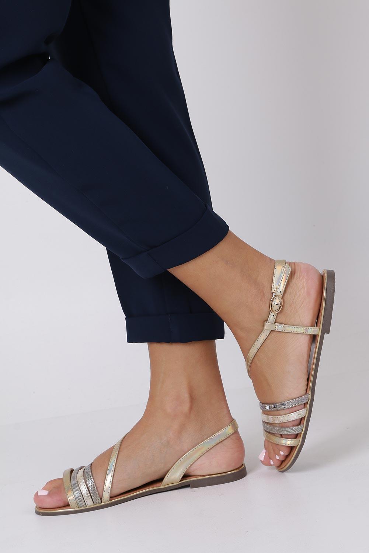 Złote sandały metaliczne płaskie z nitami Casu S19X6/G sezon Lato