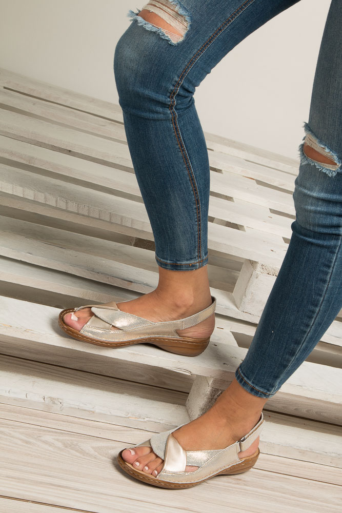 Złote sandały Rieker 60832-90 wierzch skóra/skóra ekologiczna
