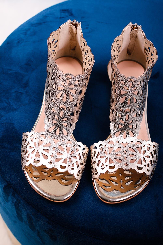 Złote sandały skórzane ażurowe płaskie z zamkiem na pięcie Casu DS-399 złoty