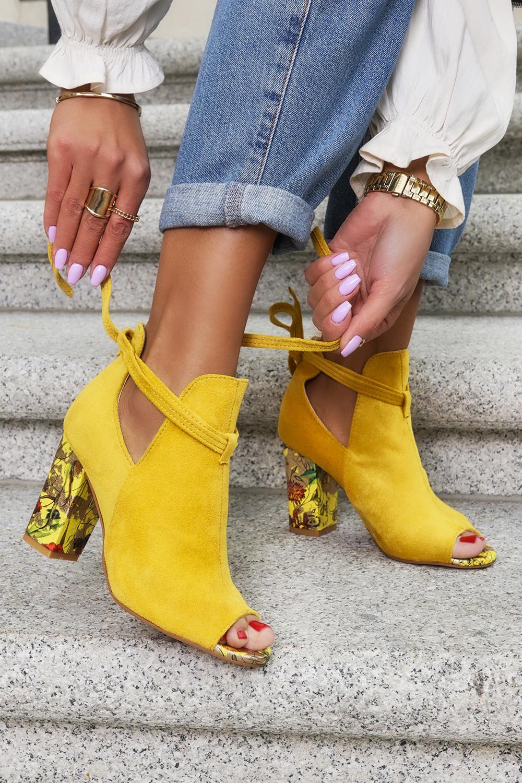 Żółte botki wiosenne peep toe wiązane na ozdobnym słupku Casu G21X5/Y style Peep toe