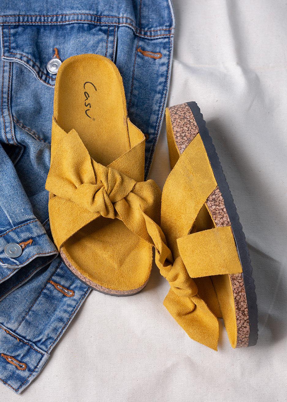 Żółte klapki z kokardą i profilowaną korkową podeszwą Casu H20X3/Y żółty