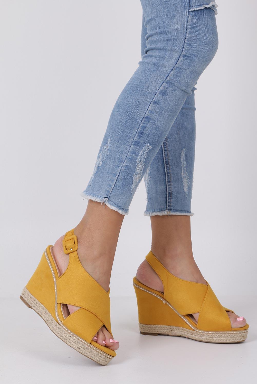 Żółte sandały espadryle z paskami na krzyż na koturnie Casu 66-368 żółty