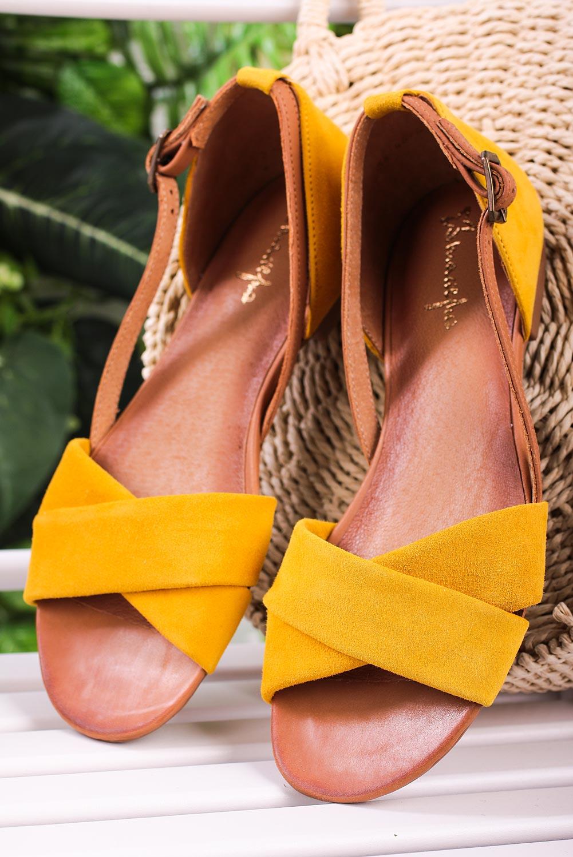Żółte sandały Maciejka skórzane z zakrytą piętą paski na krzyż 04614-07/00-5