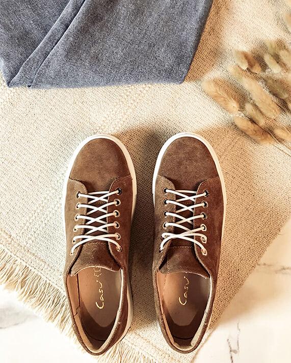 Jak czyścić zamszowe buty? Pielęgnacja obuwia z zamszu