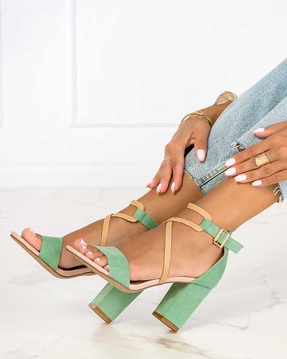 Wyprzedaż butów damskich lato 2021