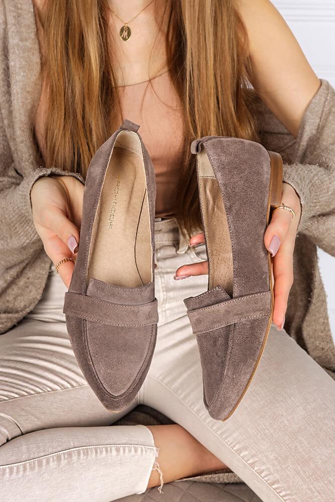 Jak czyścić buty zamszowe?