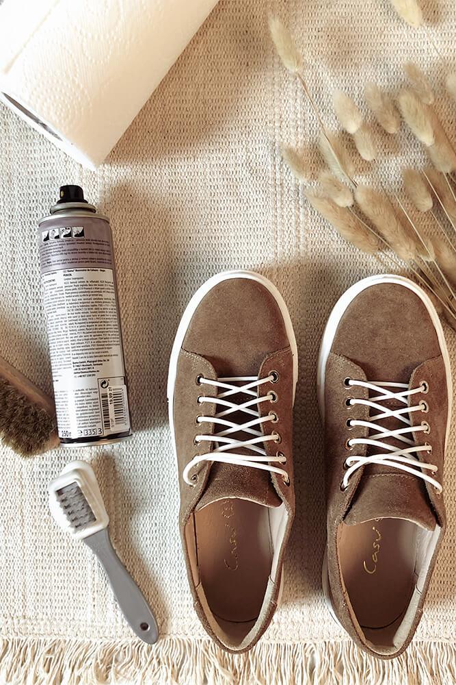 Obuwie zamszowe, akcesoria obuwnicze, szczotki do czyszczenia