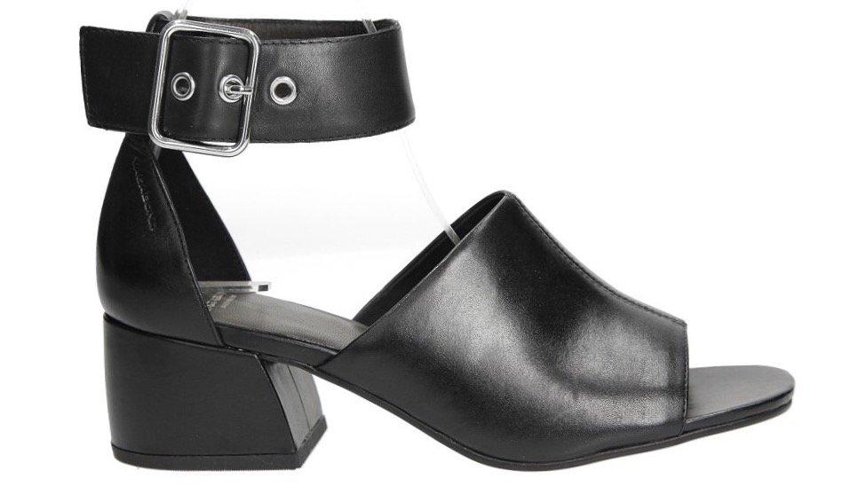 buty z wycięciem Casu