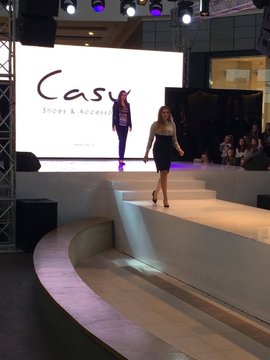 pokazy mody Casu